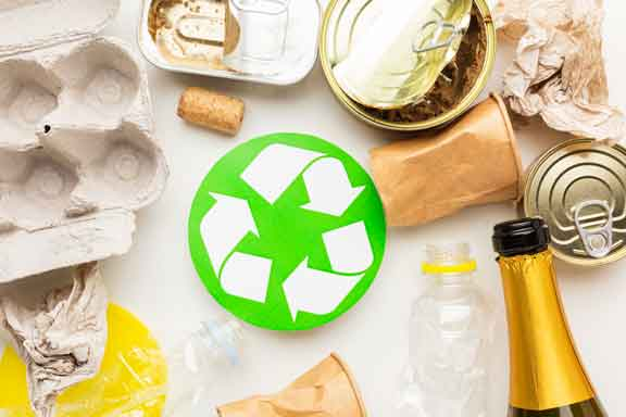 Recycling photo link to trash & recycling page